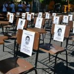 ayotzinapa-chairs
